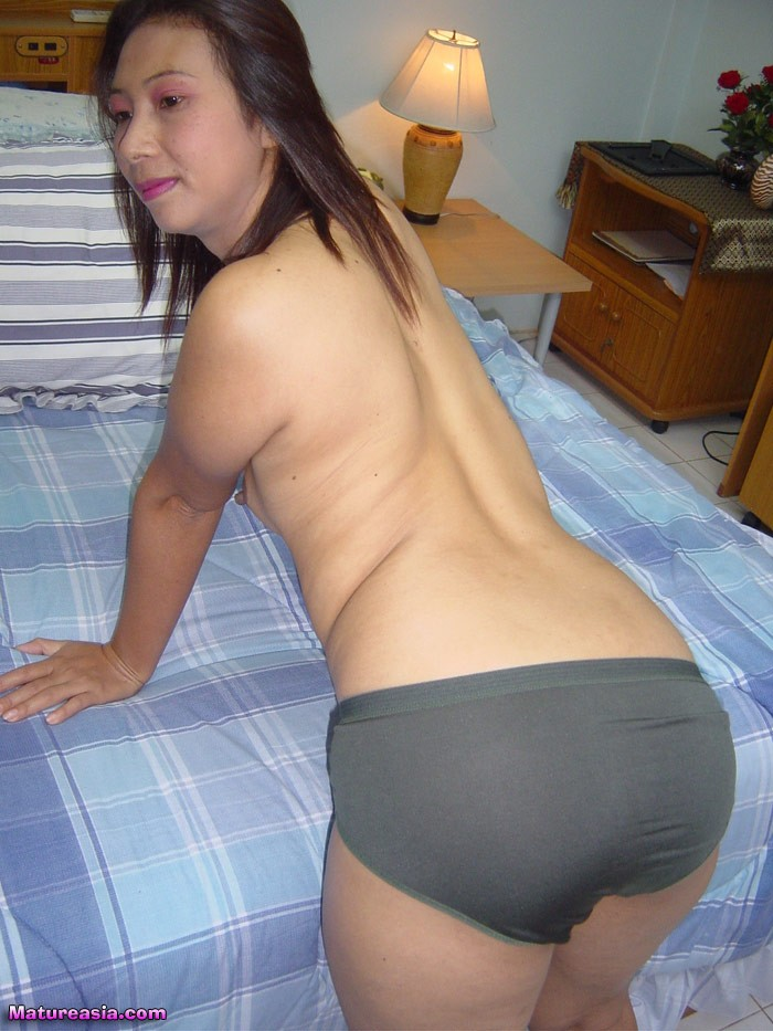 Nasty milf is so cock hungry for some 9